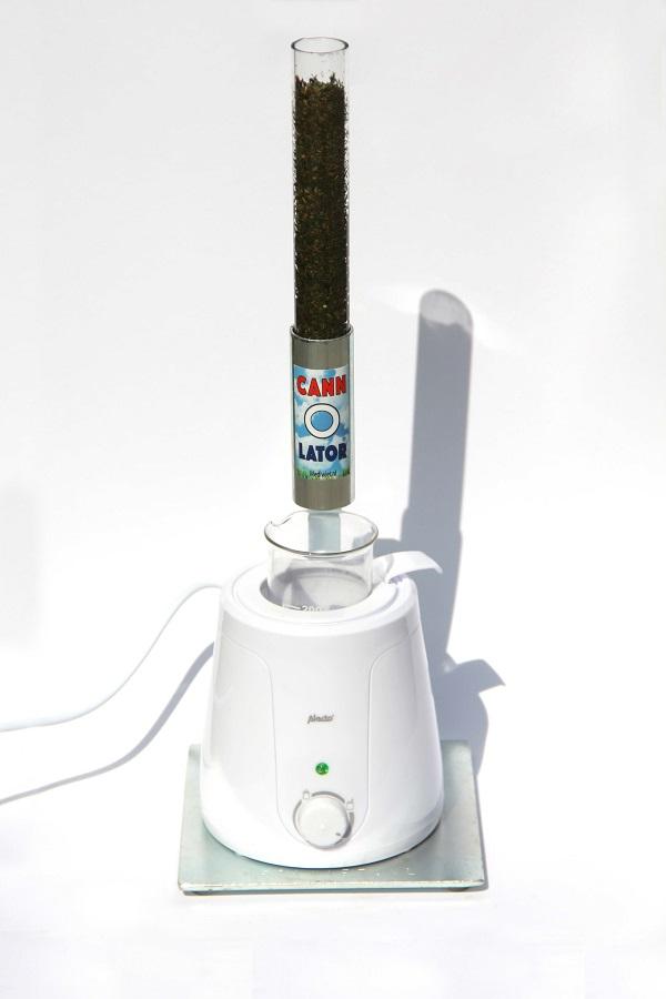 Maatbeker met extract verwarmen